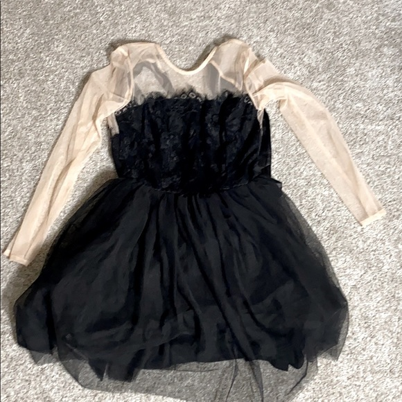 Long sleeve Blank and Tan Dress